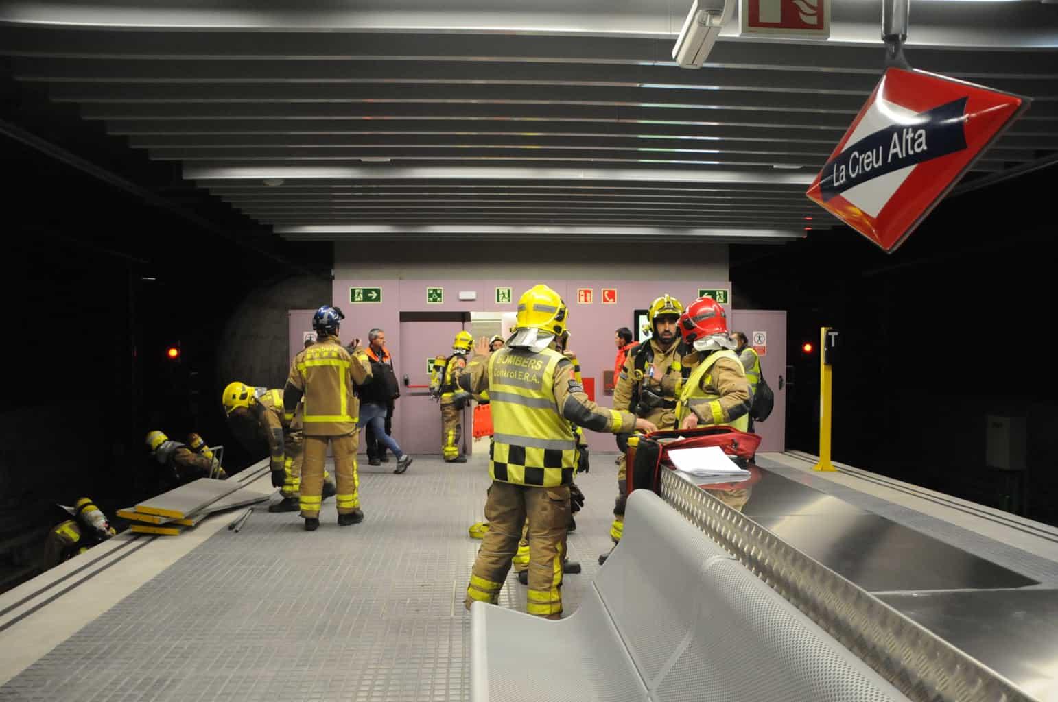 Emergències a prova en un incendi simulat