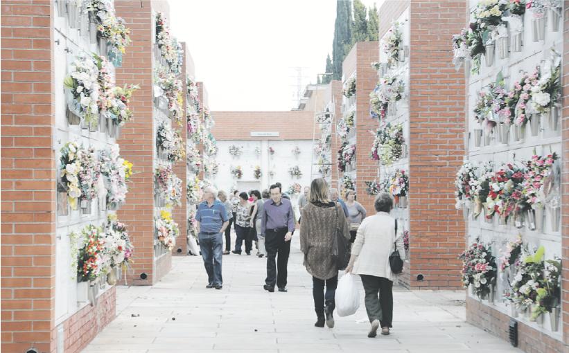 Durant tota aquesta setmana ha augmentat l'afluència de sabadellencs al Cementiri