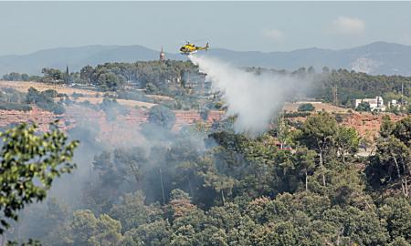 En el incendio de Can Puiggener intervino un helicóptero
