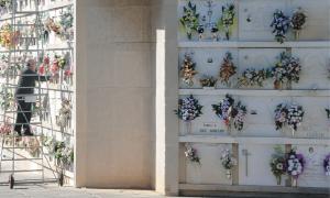 Aquesta setmana els sabadellencs han visitat el Cementiri, però la major afluència de públic s'espera les jornades d'avui i demà