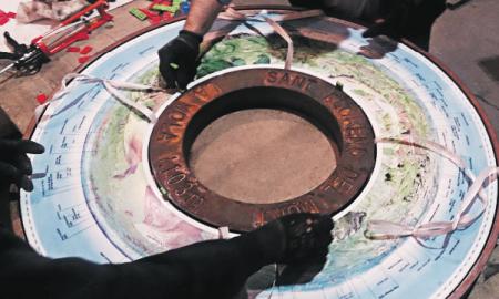 L'interior de la taula s'ha fet amb ceràmica sobre lava