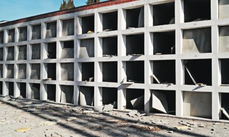 Aspecte de les destrosses al Cementiri Municipal de Palau