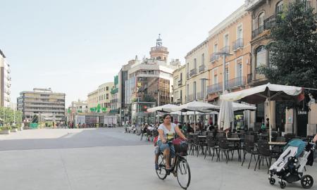 Les terrasses del Passeig s'han redistribuït per deixar lliure la Plaça Major