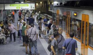 Usuaris d'FGC a Can Feu - Gràcia, en una imatge d'arxiu. Foto: Lluís Franco.