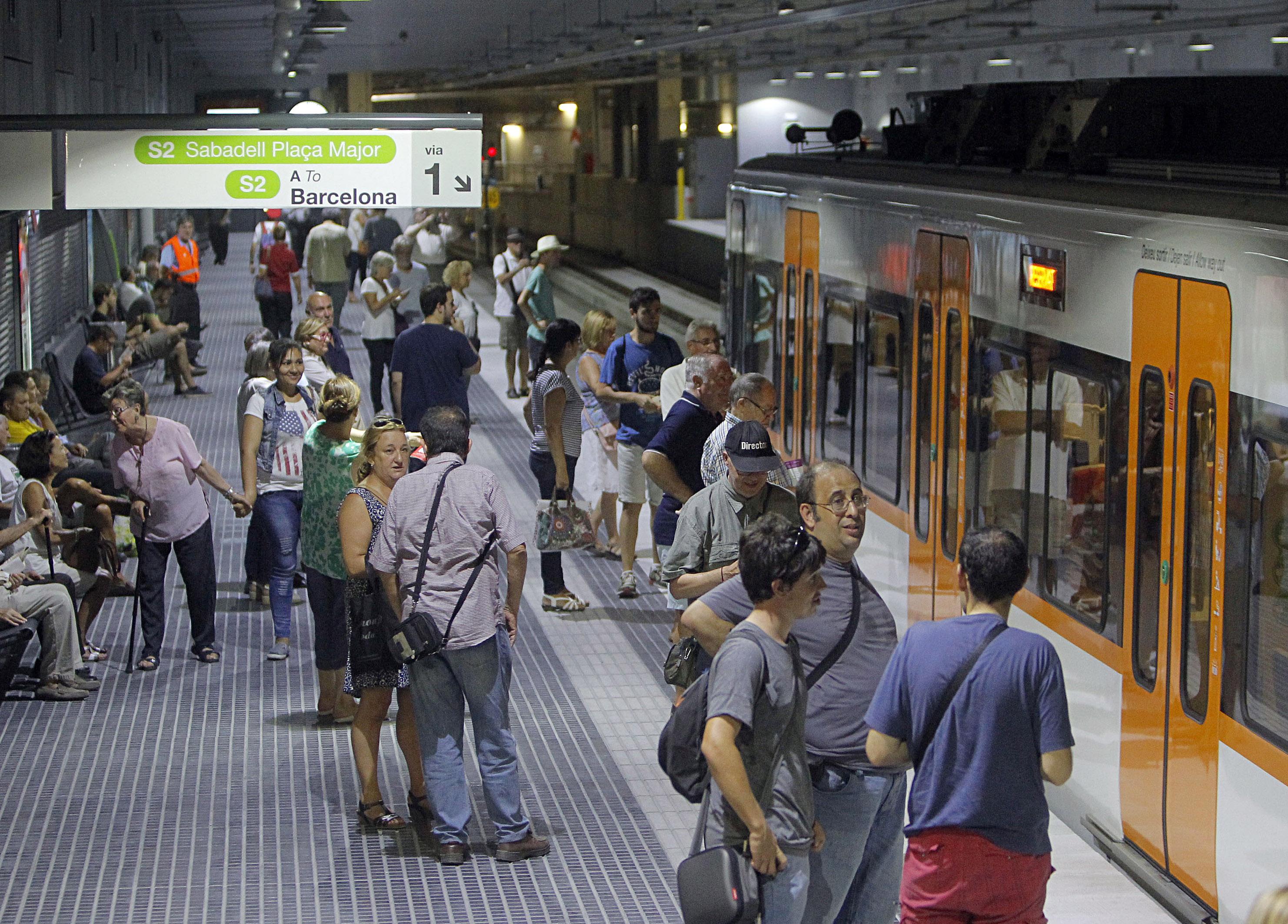 Un tren a Can Feu - Gràcia / Lluís Franco