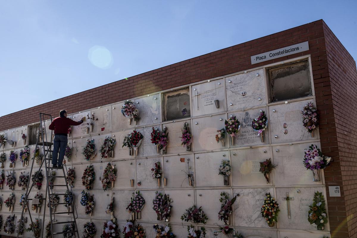El cementiri, el passat 1 de novembre / VICTÒRIA ROVIRA