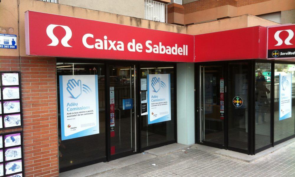 Els testimonis dels 39 excedents 39 de l 39 antiga caixa sabadell for Caixa de catalunya oficinas