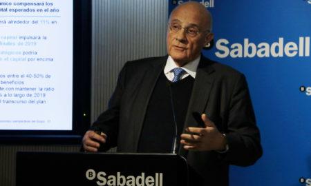 El president del Banc Sabadell, Josep Oliu, durant la roda de premsa d'aquest 1 de febrer del 2019 / ACN