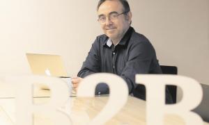 El fundador de B2Brouter, a la seu de l'empresa a Sabadell