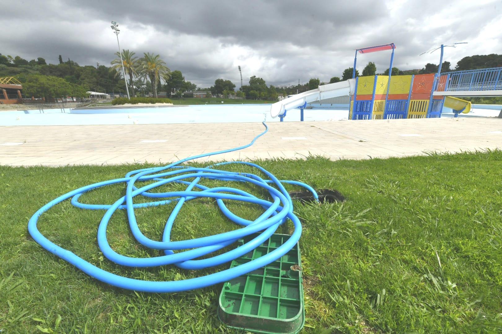 piscina municipal sabadell bassa confinament covid-19 / Lluís Franco