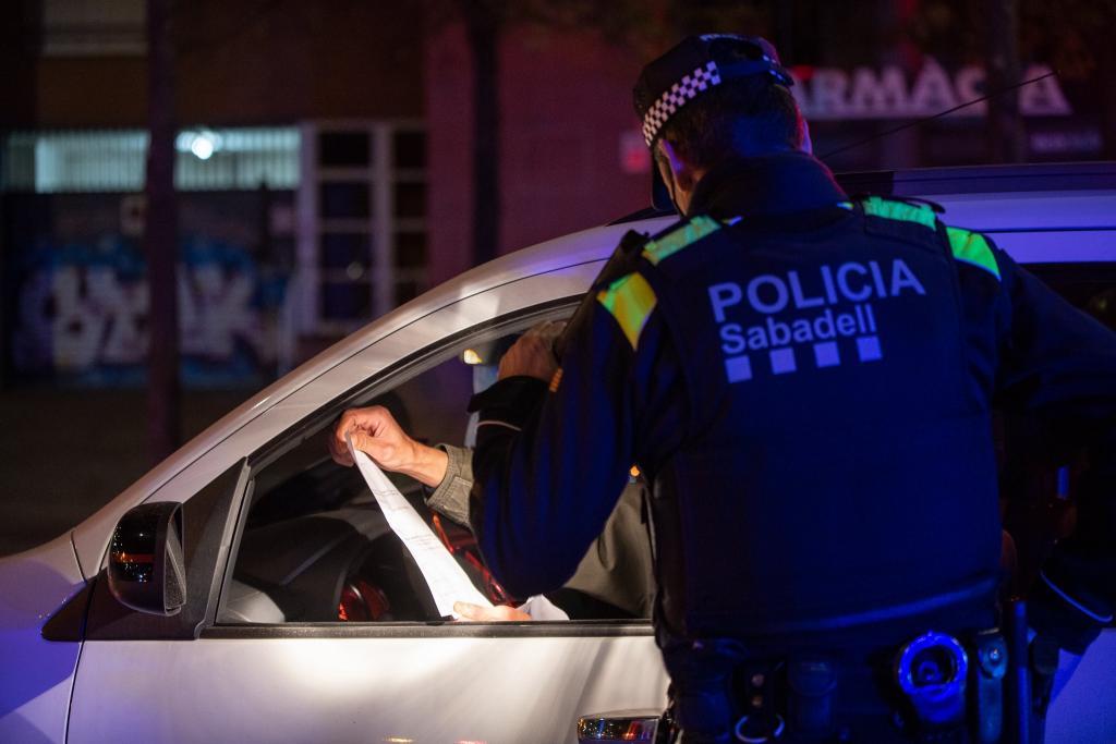 Un control de la Policia Municipal de Sabadell / VICTÒRIA ROVIRA