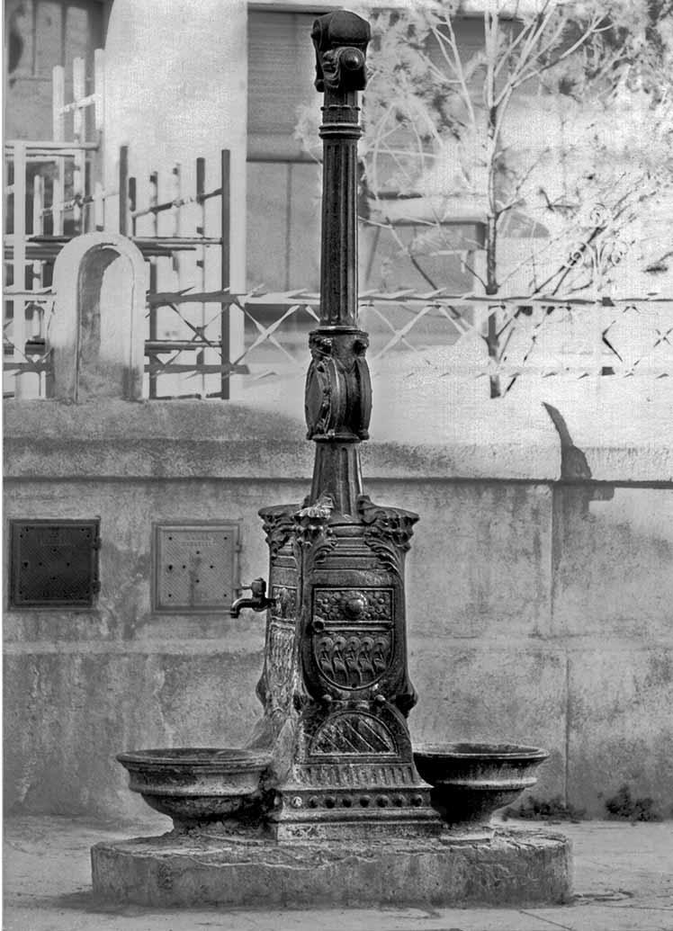 04 - 9396 Font Escoles Creu Alta 1972 Baixa