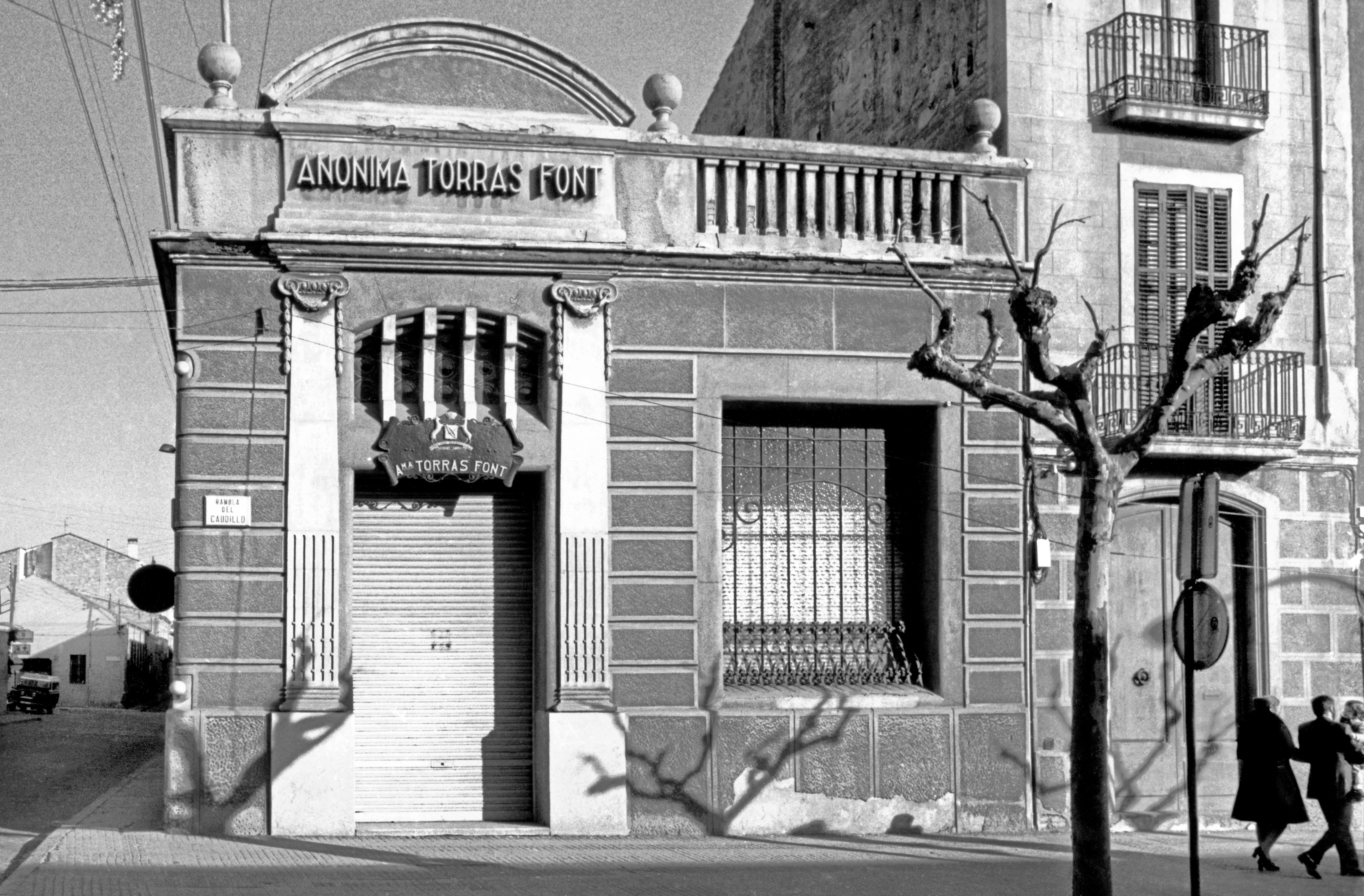 11 - 9416 Torras Font 1972 BIS