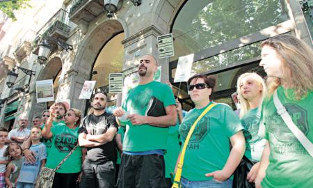 Diversos membres de la PAHC de Sabadell