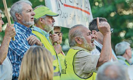 Manifestació de jubilats per unes pensions dignes a la Plaça Sant Roc