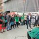 Roda de premsa davant l'edifici de Gràcia ocupat per anunciar els contractes