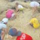 Durant una setmana, els infants podran experimentar la vida a pagès amb activitats relacionades amb la vida al camp