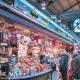 Divendres, la clientela ja va començar a preparar la llista de la compra de Nadal, buscant els productes més selectes i llaminers per a unes dates especials