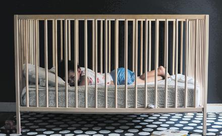 Hi ha infants a qui els costa adormir-se i per a qui els consells valen