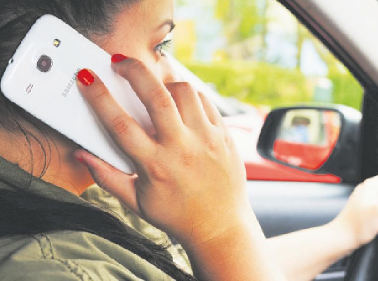 L'ús del mòbil serà penat amb sis punts, el doble dels actuals