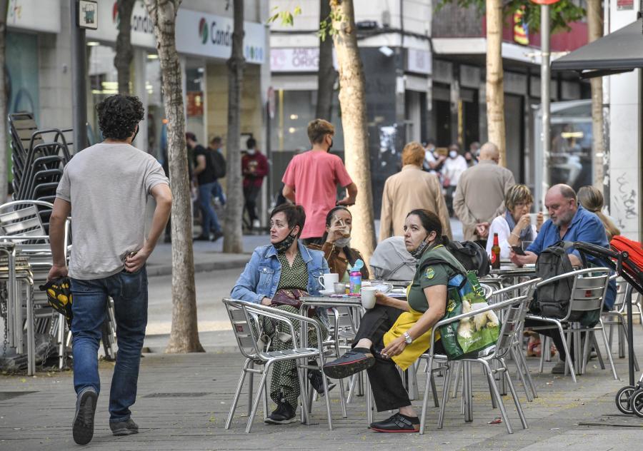 Els restaurants ja funcionen sense franges, però sense sopars