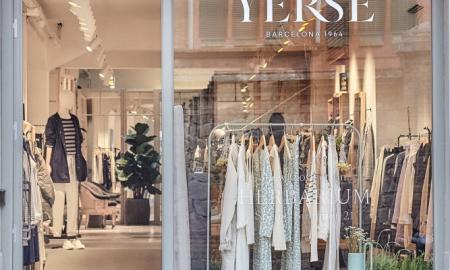 Nou logotip de Yerse a una de les seves botigues