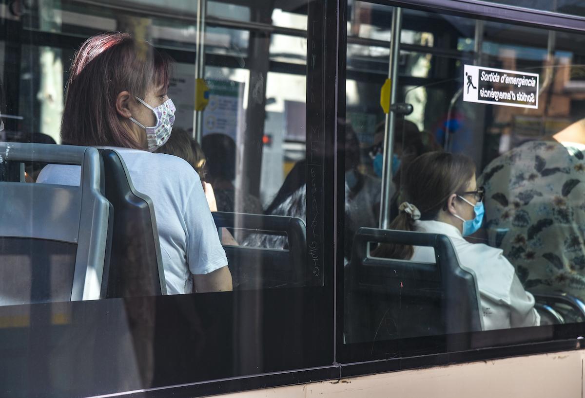 Usuaris viatjant a l'autobús (TUS) / Lluís Franco