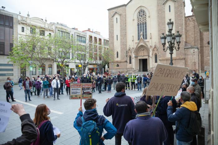 La concentració dels treballadors de la UR4 ha aplegat vora 150 persones / Pau Quintana