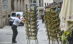 Bars i restaurants poden obrir de forma ininterrompuda fins a les 23 h a partir de diumenge, després de set mesos de limitacions / Lluís Franco