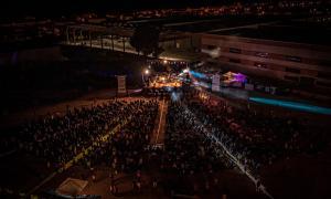 Un moment durant el concert d'Els Pets, vist des de l'aire / Raül Esteve