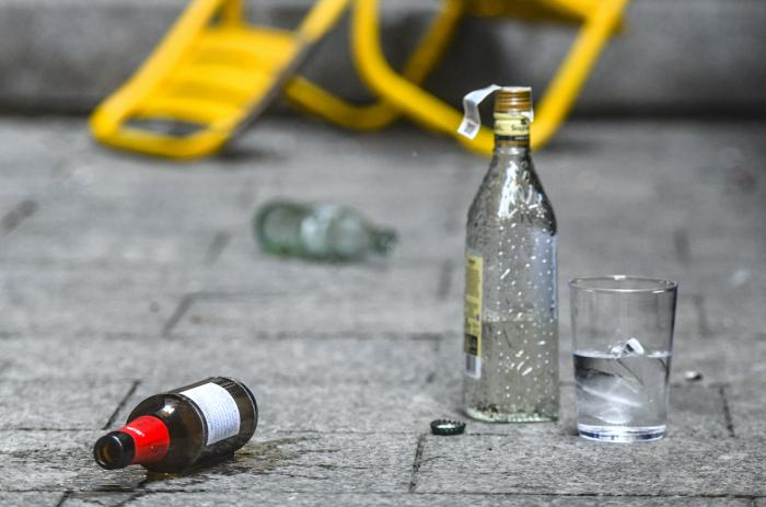 Incivisme botellon Sabadell / Lluís Franco