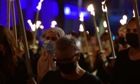 Un moment durant la marxa de torxes de les entitats feministes / Lluís Franco