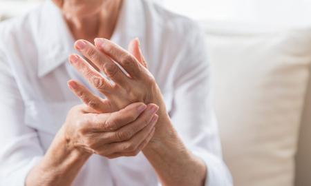 A Policlínic Sabadell ajuden a millorar l'artrosi a les mans